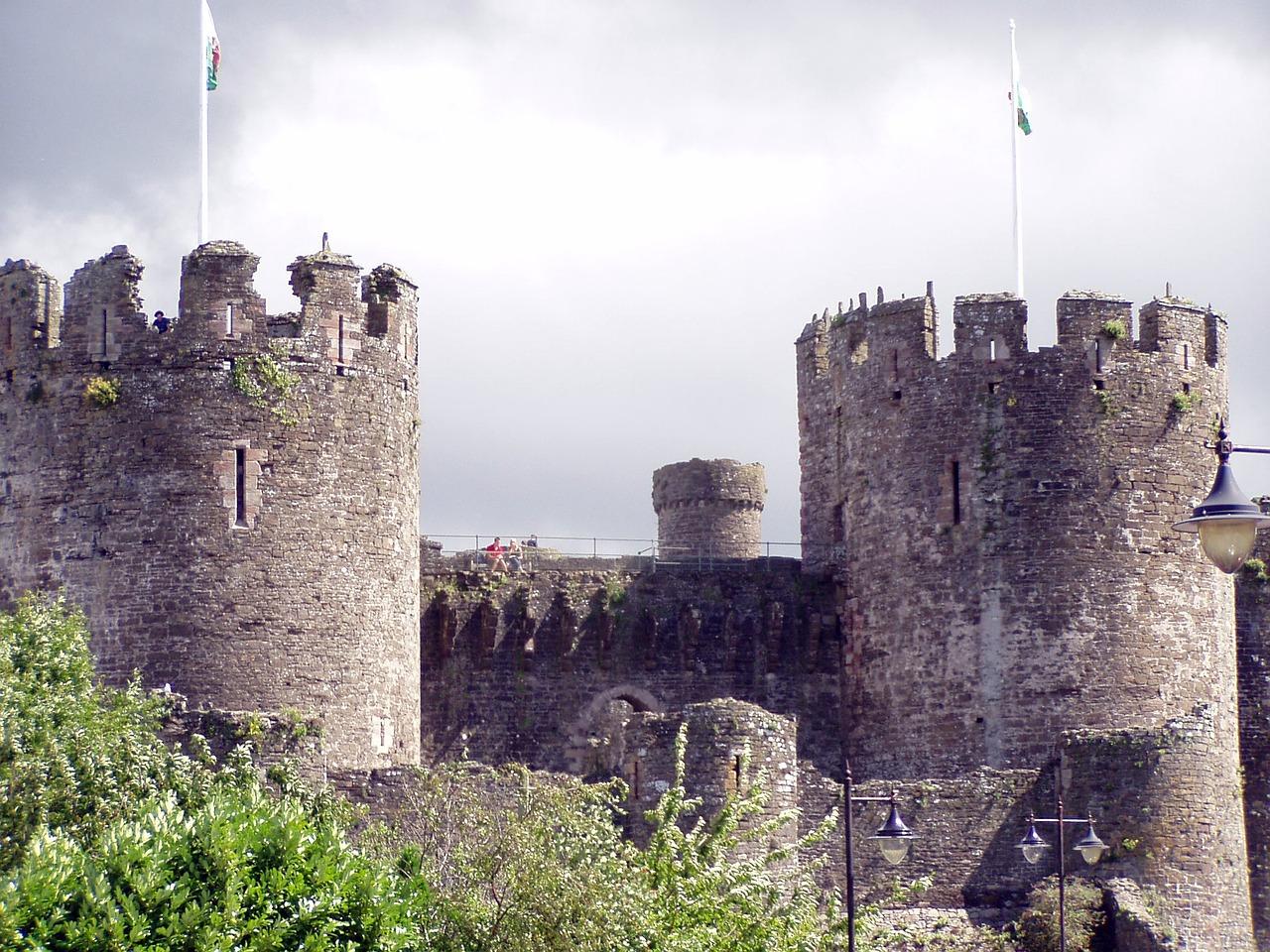 Burg symbolisiert IT- bzw. Cloud-Sicherheit